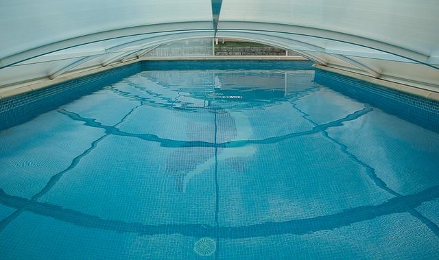 zatažený bazén