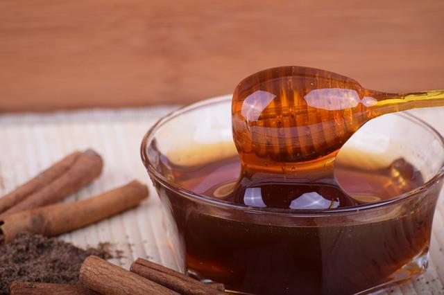 pohárek medu