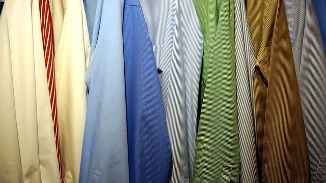 Skříň s košilemi